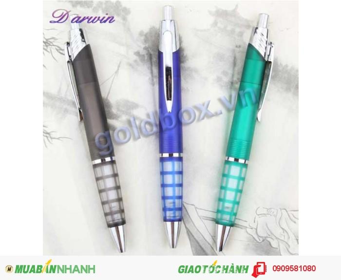 Bút bi nhựa