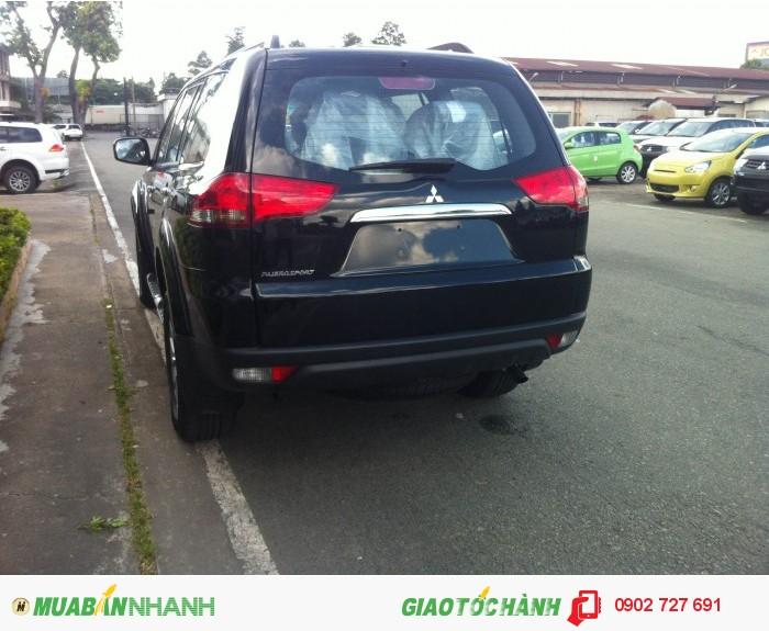 Mitsubishi Pajero Sport sản xuất năm 2015 Số tay (số sàn) Dầu diesel