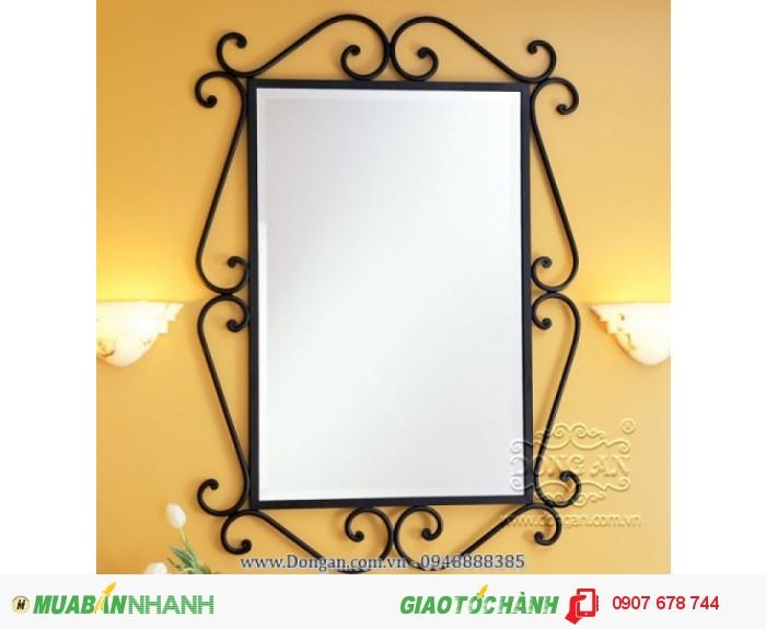 Khung gương sắt rèn nghệ thuật trang trí không thể thiếu trong ngôi nhà bạn. Giá bán :   650.0000