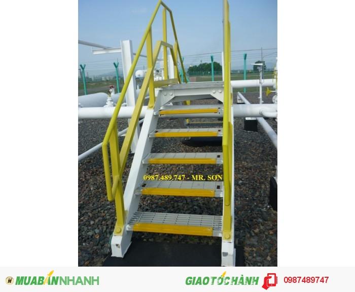 Tấm ốp mép gờ bậc thang1
