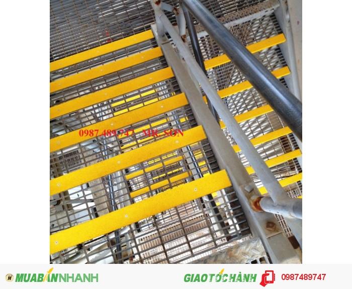 Tấm ốp mép gờ bậc thang4