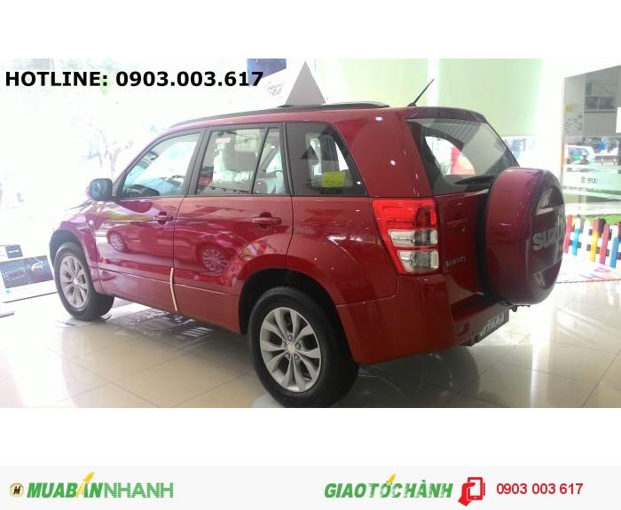 Cần bán 1 chiếc Suzuki Grand Vitara màu đỏ, xe mới 100% giá 780 triệu.