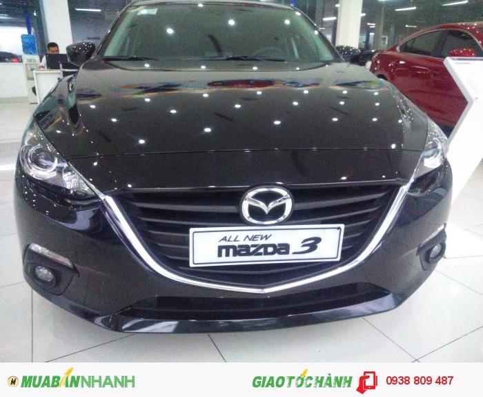 Mazda 3 Hatchback màu đen, giá 749 triệu