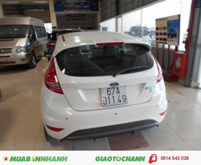 Bán Ford Fiesta 1.6 AT 05 cửa sx 2012 màu trắng 2