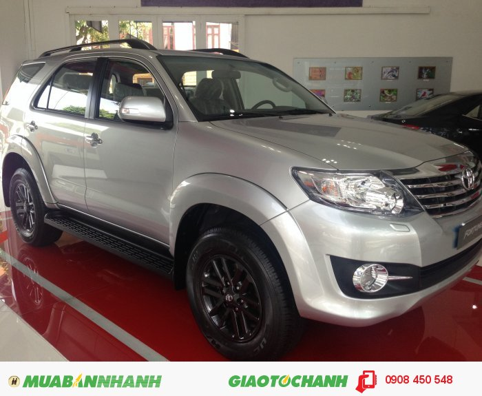 Bán xe Toyota Fortuner giá tốt giao ngay 2