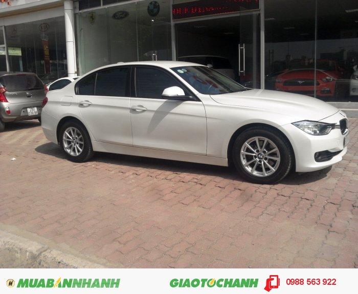 Bán BMW 320i sản xuất 2013 màu Trắng sang trọng.chính chủ xe cực chất, cam kết chất lượng