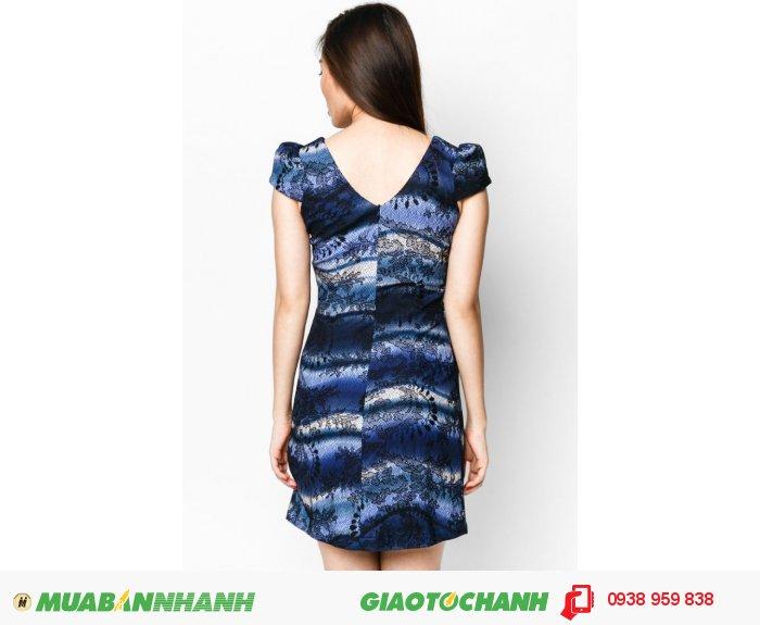 Đầm suôn túi mỗ | Mã: AD195-xanh | Giá 650000 Quy cách: 84-66-90 (+-2): chiều dài tb: 85cm - 90cm | Chất liệu: thun 4 chiều | Size (S - M - L - XL- XXL) | Mô tả: Đầm may ren hoa phối in kẻ sọc theo phong cách loang màu của thương hiệu Anna Collection đem đến sự thanh lịch và sang trọng cho các quý cô hiện đại. Thiết kế đầm chắc chắn khẳng định đẳng cấp và phong thái quý phái của bạn., 2