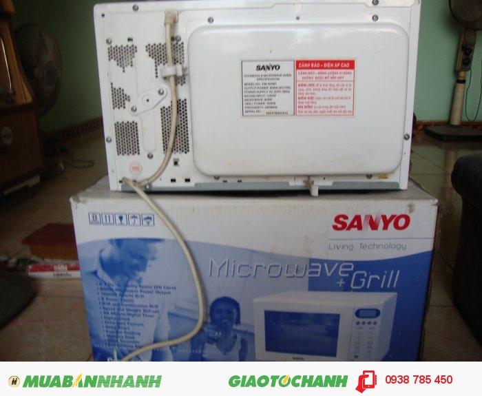 Lò vi sóng Sanyo EM-G25672
