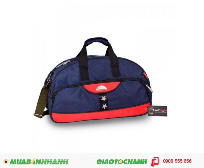Túi trống BCTTR0715001 | Giá: 190,000 VND | Loại: Ba Lô | Màu sắc: Xanh - đỏ | Chất liệu: Vải bố | Kích thước: 48x28x18 cm | Trọng lượng: 850g | Mô tả:  Với diện tích rộng, rất tiện dụng cho bạn để quần áo và đồ dùng cá nhân của mình khi đi du lịch xa nhà hay đi chơi thể thao.