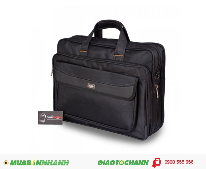 Cặp Laptop BCCLT0715001| Giá: 250,000 đồng| Loại: Túi xách| Chất liệu: vải bố | Màu sắc: đen| Kiểu quai: Tay xách| Họa tiết:trơn| Trọng lượng: 900kg|Kích thước: 39x30x12 cm| Mô tả: Được thiết kế phù hợp cho đối tượng làm việc công sở, văn phòng và cũng rất phù hợp với nhiều đối tượng khác nhau. Cặp có nhiều ngăn tiện dụng, cho bạn đựng được laptop và nhiều vật dụng khác kèm theo. Túi thiết kế rộng, đeo vai thoải mái và chắc chắn khi đeo. Thích hợp cho mọi người trong cuộc sống như : du lịch, công tác, công sở, sinh viên học sinh,..., tiện ích đa năng. Kiểu dáng đơn giản, trẻ trung và năng động với nhiều tiện ích khác nhau ., 4