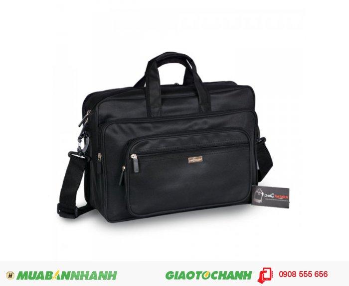 Cặp laptop ATCCLT0715001 | Giá: 185.000 VND | Loại: Cặp laptop | Màu sắc: Đen | Chất liệu: Vải bố | Kích thước: 39x28x15 cm | Trọng lượng: 620g | Mô tả: Được thiết kế phù hợp cho đối tượng làm việc công sở, văn phòng và cũng rất phù hợp với nhiều đối tượng khác nhau. Cặp có nhiều ngăn tiện dụng, cho bạn đựng được laptop và nhiều vật dụng khác kèm theo. Túi thiết kế rộng, đeo vai thoải mái và chắc chắn khi đeo. Thích hợp cho mọi người trong cuộc sống như : du lịch, công tác, công sở, sinh viên học sinh,..., tiện ích đa năng. Kiểu dáng đơn giản, trẻ trung và năng động với nhiều tiện ích khác nhau sẽ là sự lựa chọn tốt nhất cho bạn khi sử dụng sản phẩm., 5
