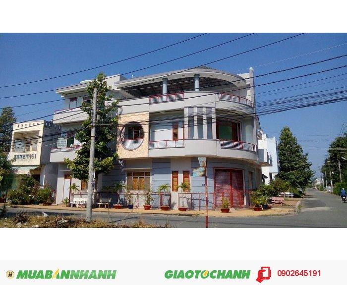 Bán nhà 2 mặt tiền khu tây đại học An Giang