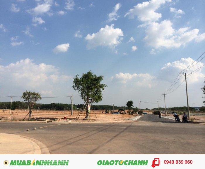 Lô góc đối diện TTTM ngay KCN Việt Sing Thành Phố Mới Bình Dương