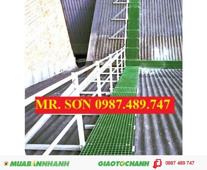 Sàn lót làm lối đi trên mái nhà máy, sàn lót chống trượt composite1