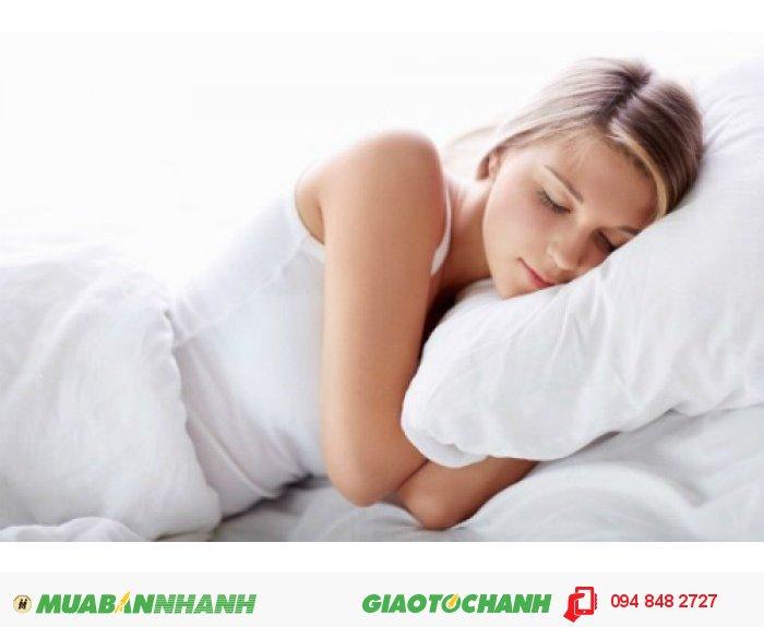 """Đặc biết, túi chườm nóng là liệu pháp hữu hiệu giúp đánh tan các cơn đau bụng ngày """"đèn đỏ"""" giúp chị em có giấc ngủ ngon hơn., 3"""