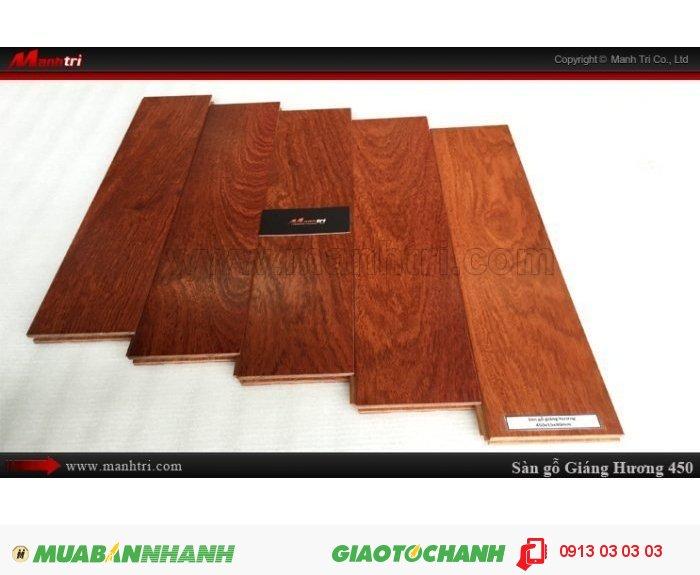 Sàn gỗ tự nhiên Giáng Hương 450mm: Ván sàn Solid: 15 x 90 x 450; Sàn Gỗ Giáng Hương 450mm dùng lót sàn nhà; Sàn gỗ giáng hương sấy đạt độ ẩm từ 8% - 12%, và được xử lý chống cong vênh, co ngót, mối mọt. Toàn thanh ván sàn gỗ giáng hương được phủ 2k (chống thấm), bề mặt ván được sơn UV chống trầy xước.Giá: 1.250.000VNĐ/M2, 1