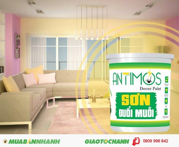 Antimos là sự kết tinh hài hòa giữa tinh dầu cây cỏ thiên nhiên như sả, oải hương, bạc hà...cùng với hoạt chất đuổi muỗi và nhựa Acrylic Elmusion được tích hợp trong các viên nang Microencaosuate tạo thành sản phẩm sơn chống muỗi an toàn với sức khỏe và môi trường., 1
