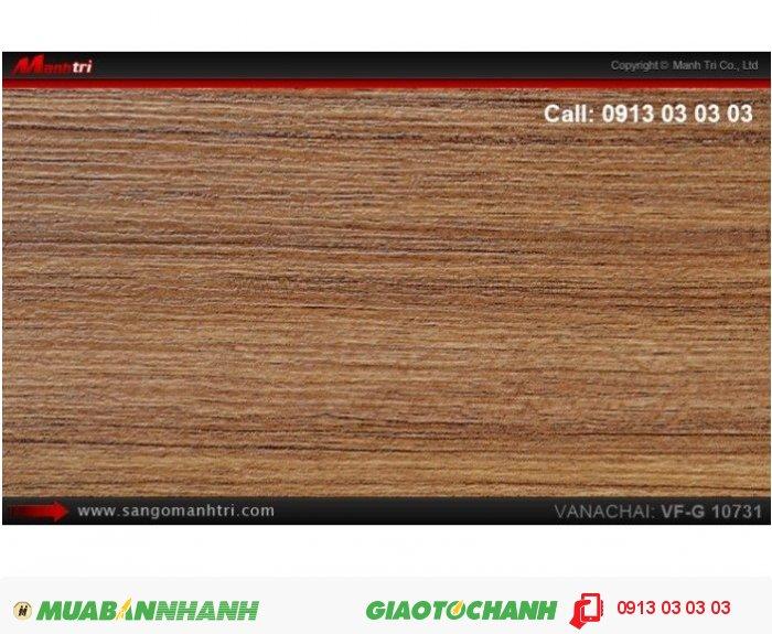 Sàn gỗ công nghiệp Vanachai VFG10731, dày 12mm, độ bền cao; Qui cách: 1025 x 125 x 12mm; Xuất xứ hàng hóa: Thái lan; Ứng dụng: Thi công lắp đặt làm sàn gỗ nội thất trong nhà, phòng khách, phòng ngủ, phòng ăn, showroom, trung tâm thương mại, shopping, sàn thi đấu. Giá: 375.000VND, 2
