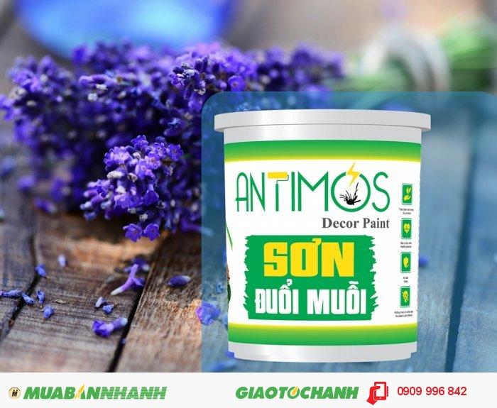 Sơn màu đuổi muỗi Antimos | Quy cách: 1000ml | Giá: 250.000đ | Mô tả: Các hợp chất trong viên nang Microencaosuate được lưu lại trên tường khoảng từ 1-> 2 năm và chuyển hóa liên tục từ trong viên nang đến màng sơn, tác động trực tiếp để xua đuổi muỗi, các côn trùng… Sơn Antimos đuổi được muỗi, côn trùng nhờ các thành phần chính được làm từ thảo dược thiên nhiên như: Tinh dầu sả, bạc hà, lavender. . . được pha trộn vào trong sơn, Các tinh dầu này không thể gây hại cho sức khỏe của bạn., 1
