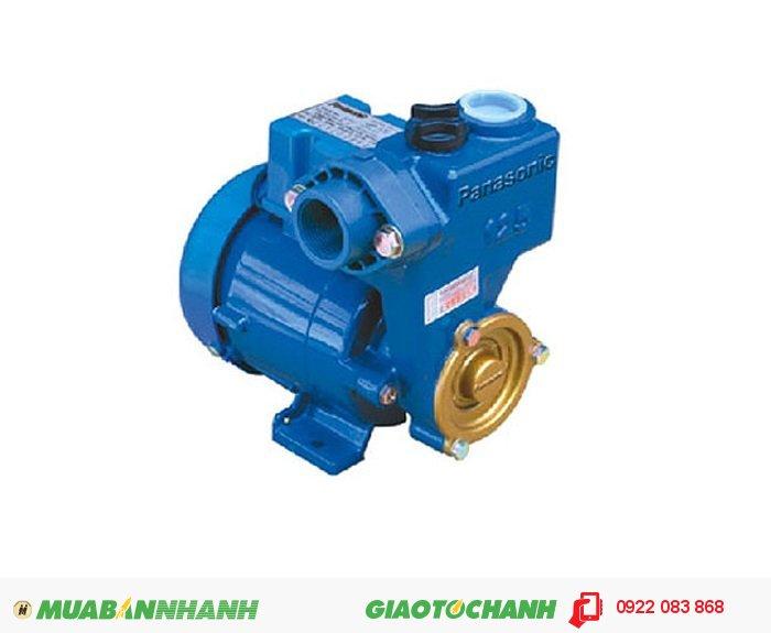 Máy bơm nước Panasonic GP 129JXK:Giá: 980.000Hãng sản xuất; PanasonicCông suất (W): 125Lưu Lượng ( lít / phút): 35Độ cao đẩy ( m ): 19Độ sâu hút ( m): 9Đường kính ống hút( mm): 25Đường kính ống đẩy( mm ); 25Nguồn điện: 220V - 50Hz Xuất xứ: IndonesiaMáy bơm nước chân không sử dụng hút trực tiếp đường ống, bể chứa ngầm, giếng gia đình..Nên sử dụng đối với các tòa nhà từ 1 đến 3 tầng để đảm bảo máy bơm hoạt động lâu dài và ổn định., 5