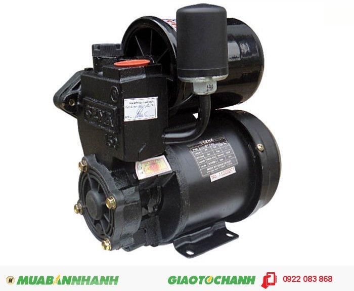 Máy bơm nước công nghiệp SEP - 131 LDGiá: 1.100.000Nguồn điện: 220V - 50HzCông suất: 150WHút sâu: Max.9mTổng cột áp: Max.20mLưu lượng: Max.33l/minRơ le áp lực: 1,1 ÷ 1,8 kg/cm2Ống hút, xả: 25 mm (1''), 1