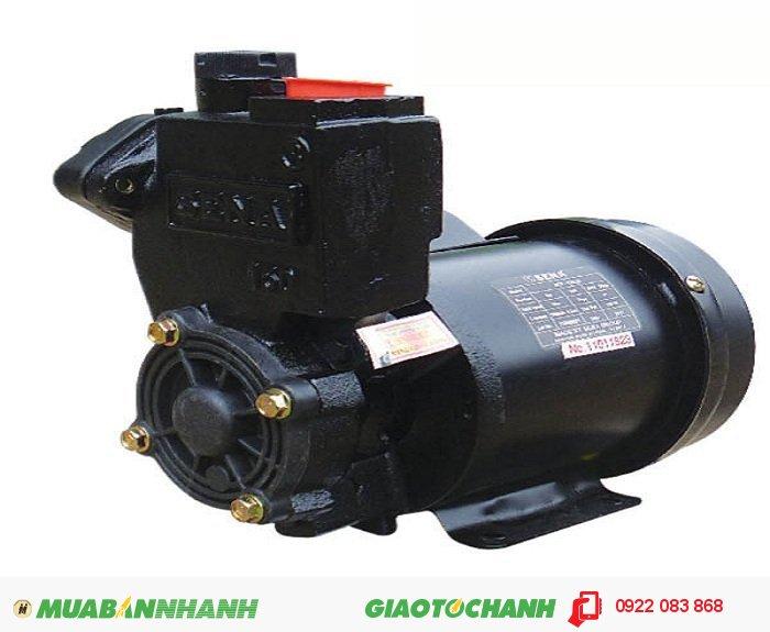 Máy bơm nước công nghiệp SEP-132LDGiá: 950.000Nguồn điện: 220V - 50HzCông suất: 150WHút sâu: Max 9mTổng cột áp: Max 30mLưu lượng: Max 33l/minỐng hút/xả: 25mm (1'), 2