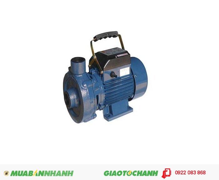 Máy bơm nước 2 đầu Selton ST-17 Giá: 750.000Hãng sản xuất: SeltonCông suất (W): 370Lưu Lượng ( lít / phút): 108Độ cao đẩy ( m ): 16Độ sâu hút ( m): 8Đường kính ống hút( mm): 25Đường kính ống đẩy( mm ): 25Nguồn điện: 220V -50HzXuất xứ: Việt Nam, 4