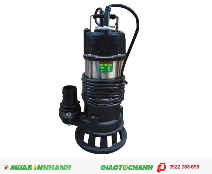 Máy bơm nước cũ NTP HSF2801.75 26T 1HP chuyên dùng để bơm nước thải, bơm nước hồ(bể) cá hay các hòn non bộ, bơm hút bùn loãng, hút bùn hố móngGiá: 3.900.000Công suất: 1 HPCột áp : 9 mLưu lượng : 400 lít/phútĐiện áp : 220V 380VXuất xứ : Đài LoanHãng sản xuất : Nation Pump (NTP), 3