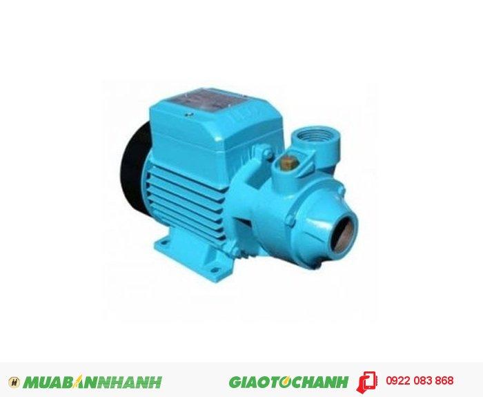 Máy bơm nước cũ Lepono XKm601 Giá: 690.000Xuất xứ : Tiêu chuẩn công nghệ Ý sản xuất tại Trung Quốc. Cỡ nòng : 34 34 Nguồn điện : 220 V Công suất : 0.5 HP / 0.37 KW. Cột áp : 40 H(m). Lưu lượng : 40 Lít / Phút, 4