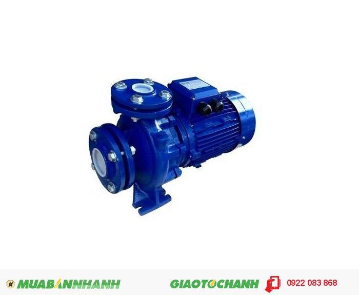Máy bơm nước dân dụng Pentax CM65-200A được thiết kế đặc biệt với vỏ nhôm , đầu làm bằng gang là loại máy bơm chuyên dùng để bơm chất lỏng rất hiệu quả trong việc bơm nước và dẫn nước.Giá: 19.000.000Công suất (HP): 30 HPCột áp H (m): 56,7-44Lưu lượng nước Q (m3/h): 54-144Đầu vào – đầu ra: 90-76, 4
