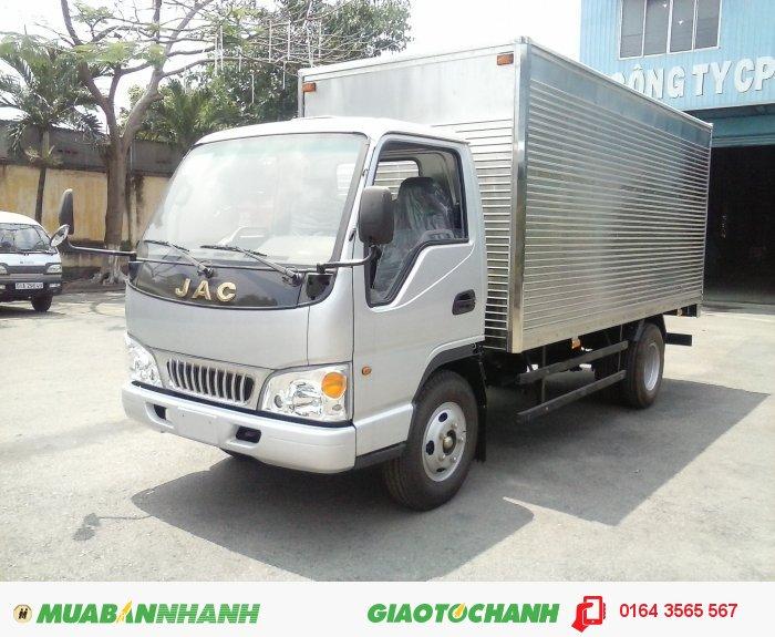 Xe JAC 2.4 tấn, xe tải JAC 2.4 tấn, xe tải JAC 2T4 vào thành phố, xe JAC 2.4 tấn thùng mui kín inox