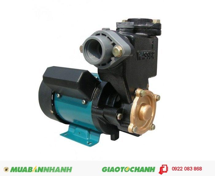 """Máy bơm nước đẩy cao PW-131E 125W Chuyên dụng đẩy nước cho các nhà cao tầng, mẫu mã nhỏ gọn, máy chạy êm:Giá: 950.000Lưu lượng nước tối đa: 1.8 m3/h Cột áp: 9Công suất: 1/6 HPĐiện áp: 220VCỡ nòng: 1"""", 3"""