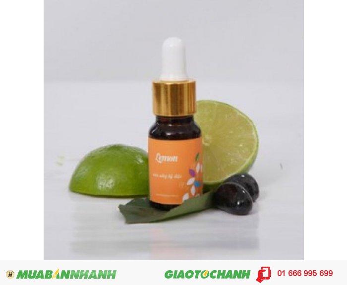 Tinh dầu Lemon (Chanh) | Mã sản phẩm: TD24010C | Giá bán: 235.000 | Dung tích: 10ml | Mô tả: Tinh dầu chanh Lemon: mùi hương tươi mát. có tác dụng chống oxy hóa, chống ung thư, tăng cường sức đề kháng của cơ thể. Giúp điều trị bệnh khô da, nhiễm trùng và khử mùi hôi., 2