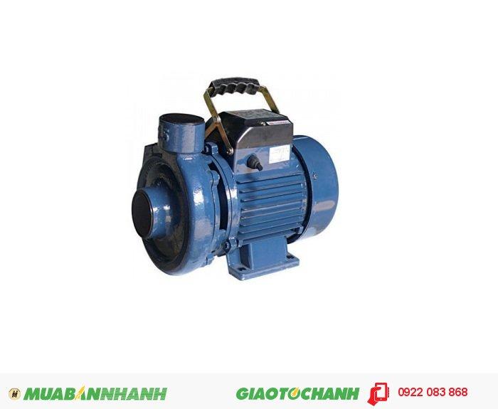 Máy bơm nước 200m3/h Selton ST-17 là máy bơm ly tâm giá thành thấp, chất lượng, hút bể ngầm, giếng khoan lưu lượng nước lớn.Giá: 750.000Hãng sản xuất: SeltonCông suất (W): 370Lưu Lượng ( lít / phút): 108Độ cao đẩy ( m ): 16Độ sâu hút ( m): 8Đường kính ống hút( mm): 25Đường kính ống đẩy( mm ): 25Nguồn điện: 220V -50HzXuất xứ: Việt Nam, 3
