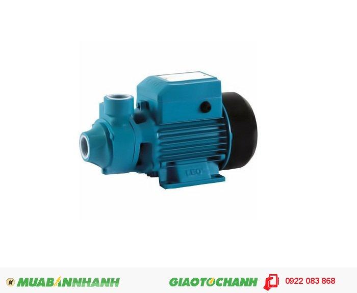 Máy bơm nước 30m3/h Lepono XKM60-1: Máy chuyên dùng để bơm đẩy cao, với cột áp đến 40 métGiá: 690.000Công suất: 0.37 Kw / 0.5 HPĐường Kính Hút – Xả: 34 – 34Điện áp: 1 phase/ 220VLưu lượng nước: 500 lít/phút (30 m3/giờ )Cột áp: 40 mHãng sản xuất: LEPONOXuất xứ: Trung Quốc, 3