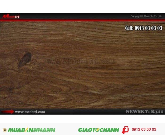 Sàn gỗ công nghiệp Newsky K311, dày 12mm, chống mối mọt | Qui cách: 1218 x 144 x 12 mm | Chống trầy: AC4 | Ứng dụng: Thi công lắp đặt làm sàn gỗ nội thất trong nhà, phòng khách, phòng ngủ, phòng ăn, showroom, trung tâm thương mại, shopping, sàn thi đấu. Giá bán: 229.000VND, 5