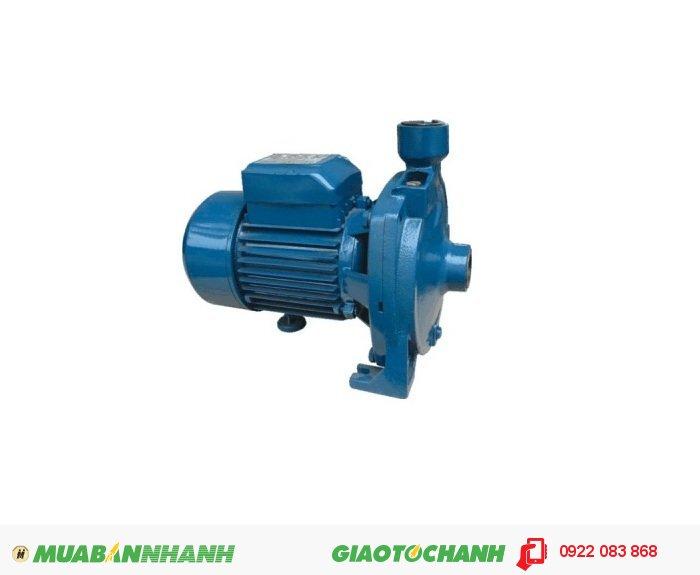 Máy bơm nước 25m3/h Sena K 100: Dùng để hút nước trực tiếp từ đường ống cấp thoát nước của thành phố hay từ bể chứa ngầm lên téc chưa nước cung cấp nước cho cả gia đình.Giá: 1.600.000Hãng sản xuất: SenaCông suất (W): 740Độ cao đẩy ( m ): 33Độ sâu hút ( m): 9Đường kính ống hút( mm): 25Đường kính ống đẩy( mm ):25Loại nhiên liệu: ĐiệnXuất xứ: Việt Nam, 1