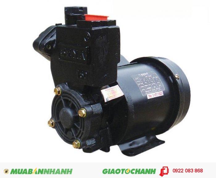 Máy bơm nước 25m3/h Sena SEP 132LD: Thiết bị điện gia dụng không thể thiếu trong mỗi gia đình.Giá: 950.000Hãng sản xuất: SenaCông suất (W): 125Độ cao đẩy ( m ): 18Độ sâu hút ( m): 9Đường kính ống hút( mm): 25Đường kính ống đẩy( mm ): 25Loại nhiên liệu: ĐiệnXuất xứ: Việt Nam, 5