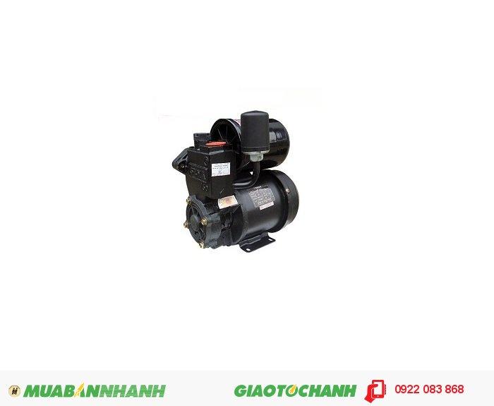 Máy bơm nước dùng điện một chiều Sena SEP 240AEGiá: 1.850.000Hãng sản xuất: SenaCông suất (W): 240Lưu lượng (lít/phút): 45Độ cao đẩy (m): 25Độ sâu hút ( m): 9Đường kính ống hút (mm): 25Đường kính ống đẩy (mm): 25Áp lực (kg/cm2): 1.4 - 2.2Xuất xứ: Việt Nam, 2