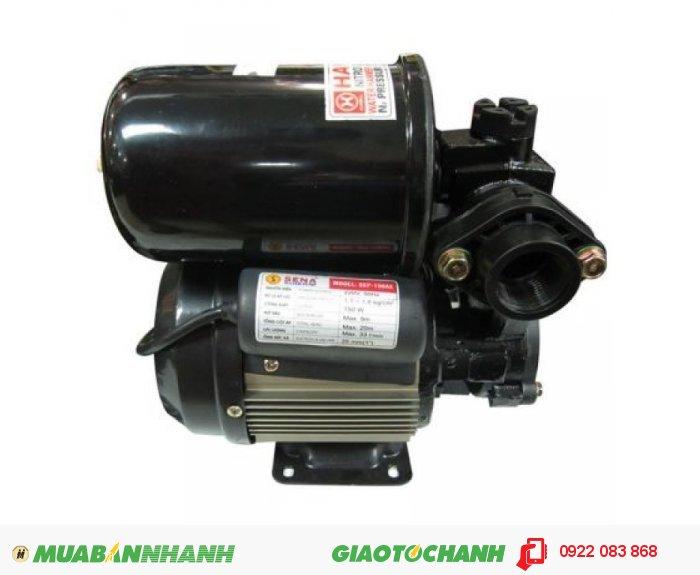 Máy bơm nước dùng điện một chiều Sena SEP 131 LD: Giá: 1.100.000Hãng sản xuất: SenaCông suất (W): 150Lưu lượng ( lít / phút): 33Độ cao đẩy ( m ): 20Độ sâu hút ( m): 9Đường kính ống hút (mm): 25Đường kính ống đẩy (mm ): 5Áp lực (kg/cm2): 1.1 - 1.8Xuất xứ: Việt Nam, 4