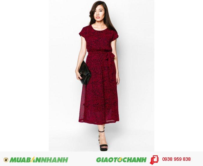 Đầm maxi tay chờm cột eo | Mã: AD226-đỏ da beo| Giá: 488000 Quy cách: 84-66 (+-2)| chất liệu: chiffon lụa , Size (M) | Mô tả: Thực ra với những chiếc váy bản thân nó đã mang đến vẻ đẹp cho phái nữ, bạn không cần quá cầu kỳ ở kiểu dáng, những thiết kế rườm rà hay sắc màu tắc kè hoa. Càng đơn giản lại càng tinh tế và có sức hút hơn. Một chút điểm nhấn phần eo và phần tay: hoặc không tay, hoặc tay bồng hay kiểu dáng tay lỡ này., 2