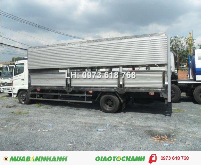 Tổng Đại lý Xe tải  Hino bán xe Hino FG chở Heo 9t4 4