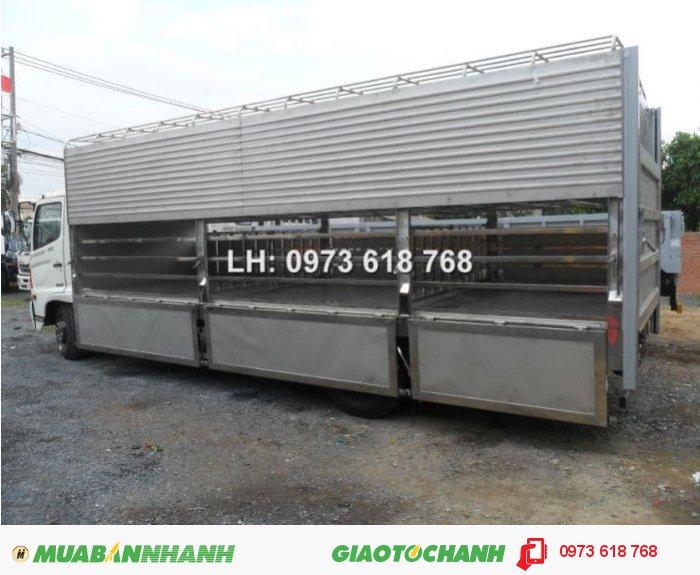 Chuyên đóng thùng xe chở heo, Hino Fg 9 tấn chở heo 3