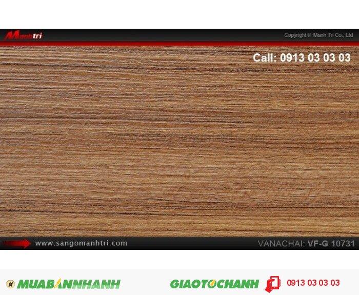Sàn gỗ công nghiệp Vanachai VFG10731, dày 12mm, độ bền cao; Qui cách: 1025 x 125 x 12mm; Xuất xứ hàng hóa: Thái lan; Ứng dụng: Thi công lắp đặt làm sàn gỗ nội thất trong nhà, phòng khách, phòng ngủ, phòng ăn, showroom, trung tâm thương mại, shopping, sàn thi đấu. Giá bán: 375.000VND, 1