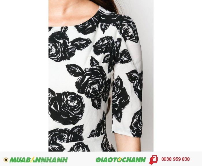 Đầm cổ tròn tay lỡ | Mã: AD228-hồng | Giá 788000 Quy cách: 84-66 (+-2): chiều dài tb: 85cm - 90cm | Chất liệu: lụa cát | Size (S - M - L - XL) | Mô tả: Chất liệu vải dày dặn mà thoáng mát, đường cắt may tinh tế, chi tiết hoa hồng là điểm nhấn nổi bật cho mẫu váy công sở này., 2