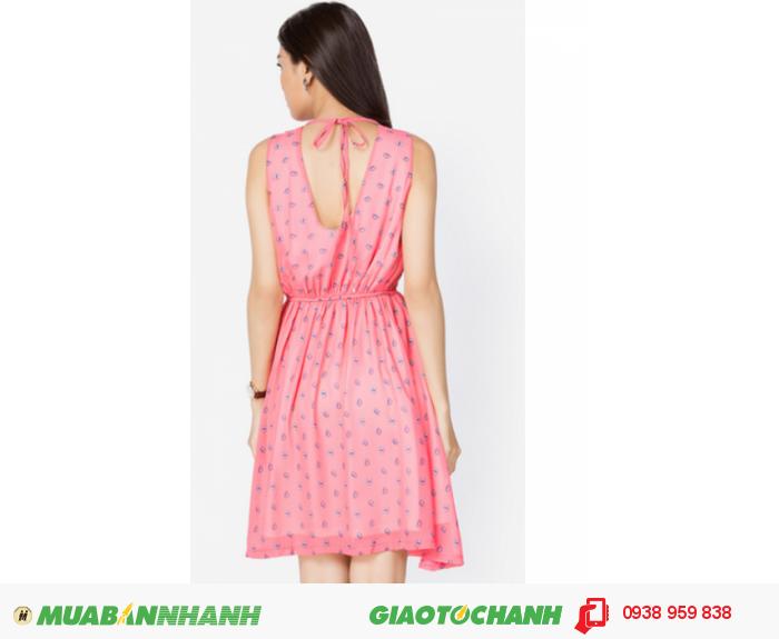 Đầm nhún cổ cột dây | Mã: AD238- hồng | Giá 448000 Quy cách: 84-66 (+-2), chiều dài tb: 85cm - 90cm | Chất liệu: chiffon lụa | Size (M – L) | Mô tả: Nữ tính với váy đầm gam màu hồng ngọt ngào, chi tiết cut out sau cổ và cột nơ càng tăng thêm nét nổi bật cho bạn gái., 2
