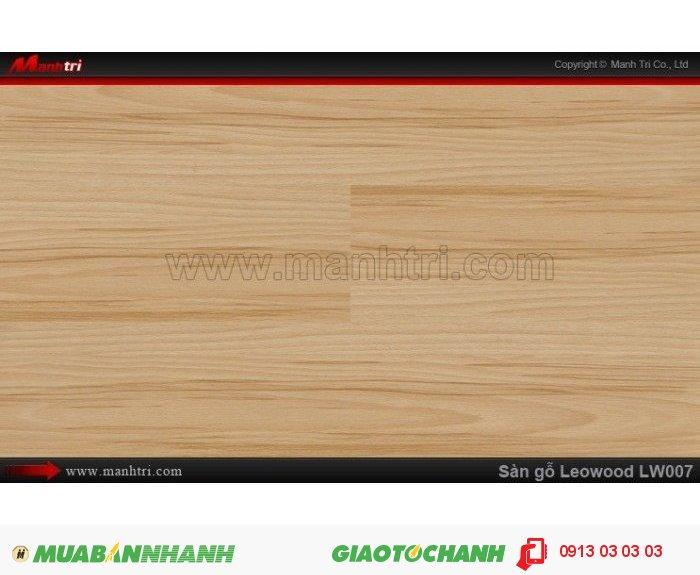 Sàn gỗ công nghiệp Leowood LW007, dày 8mm, chống mài mòn, độ bền cao | Trọng lượng: 10.00kg | Kích thước (L x W x H): 1218mm x 195mm x 8mm. Ứng dụng: Sàn gỗ Leowood được sử dụng nhiều trong các công trình nhà ở dân dụng như: nhà phố, biệt thự, khu đô thị, chung cư cao cấp.... cho đến các nhà hàng, khách sạn, các khu resort nghĩ dưỡng.....Giá bán: 365.000VND, 4