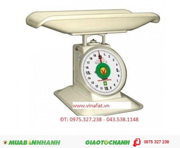 Phạm vi cân : 500 g – 20 kg  • Phân độ nhỏ nhất : 50 g .Sai số tối đa : ± 75 g  • Sai số tối thiểu : ± 25 g  • Trọng lượng tinh(N.W) : 3,7 kg  • Trọng lượng tổng(G.W) : 4,4 kg Bảo hành : 12 tháng theo tiêu chuẩn của NSX Giá bán(TB) chưa thuế VAT 10 %:600.000  Holine: MR DUY2