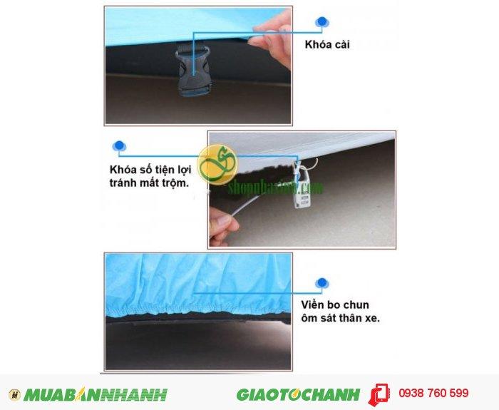 Đặc biệt bạt phủ ôtô còn có khóa kéo cực kỳ tiện ích giúp bạn có thể mở cửa xe dễ dàng mà không cần tháo toàn bộ bạt che.