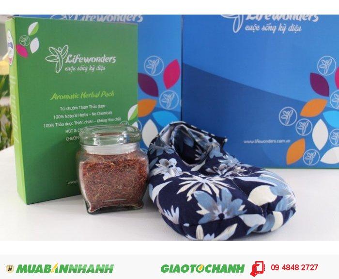 Túi chườm Life Wonders là một sản phẩm nổi trội trong việc hỗ trợ điều trị căng thẳng, mệt mỏi, stress hiệu quả. Mùi hương thiên nhiên từ 10 loại thảo mộc thiên nhiên đem đến tinh thần sảng khoái hơn cho bạn., 1